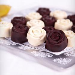 Banana roses in chocolate
