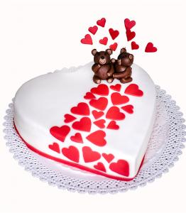 Heart cake with bears