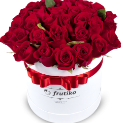 Oval Red Roses Box